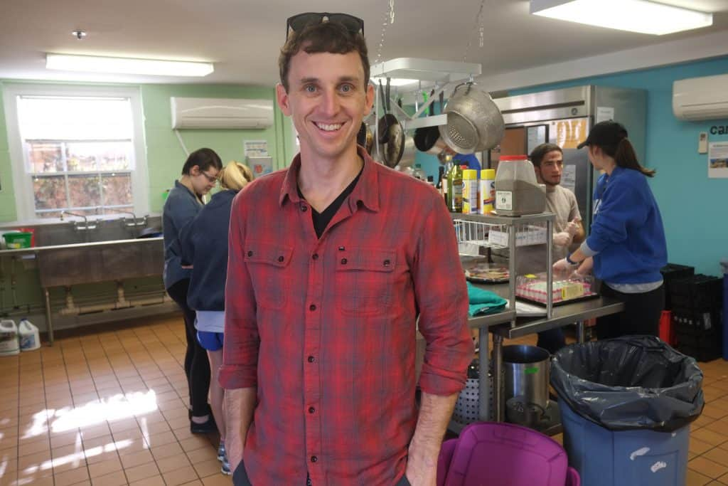 While visiting the campus in March 2016, David Hanson '00 helped prepare meals at W&L's Campus Kitchen.