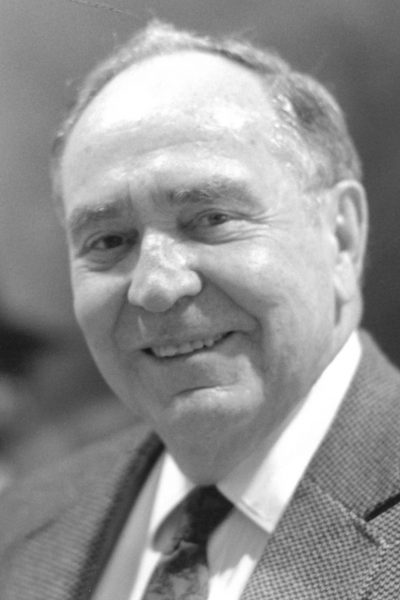 Warner-Jack2-400x600 Jack Warner '40, W&L Trustee Emeritus, Dies at 99