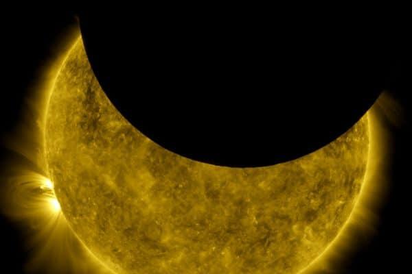 754921main_Sun-Moon-650-600x400 754921main_Sun-Moon-650