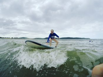 Charlotte Braverman '18 surfing in Sydney.