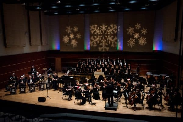 SOC121417_04-600x400 W&L Presents 2018 Holiday Pops Concert