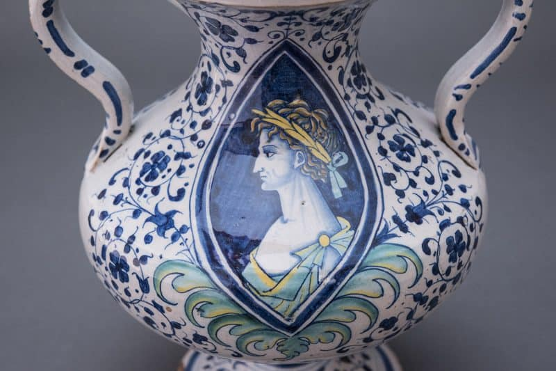 WLC0723-800x533 Reeves Center Acquires 16th-Century Italian Vase