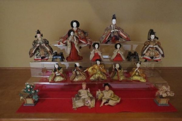 dolls-600x400 W&L Tea Society Hosts Women and Girls' Day Tea Ceremony