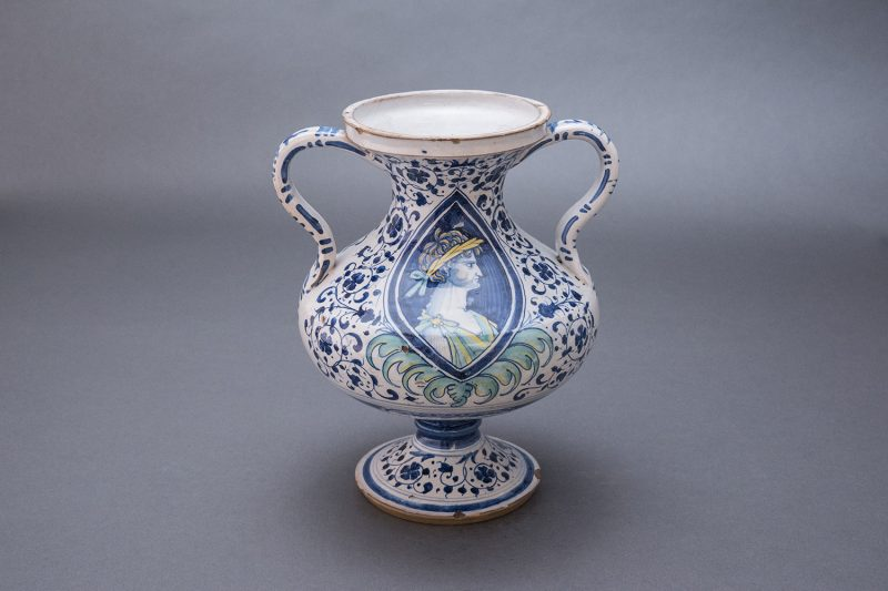 vase2-800x533 Reeves Center Acquires 16th-Century Italian Vase