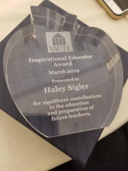 53679332_2074071222707914_423178038138634240_n-263x350 W&L's Haley Sigler Receives Inspirational Educator Award