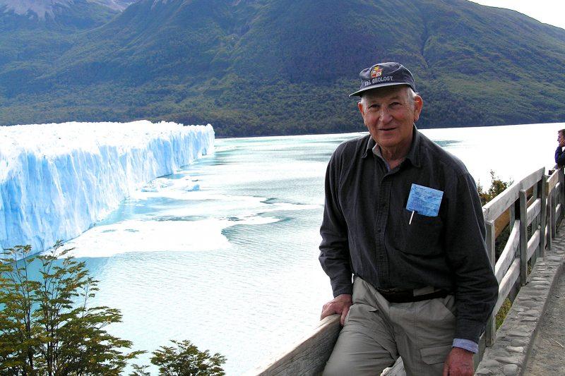 Ed-Spencer-Alumni-Trip Edgar Winston Spencer '53, Ruth Parmly Professor of Geology Emeritus, dies at 88