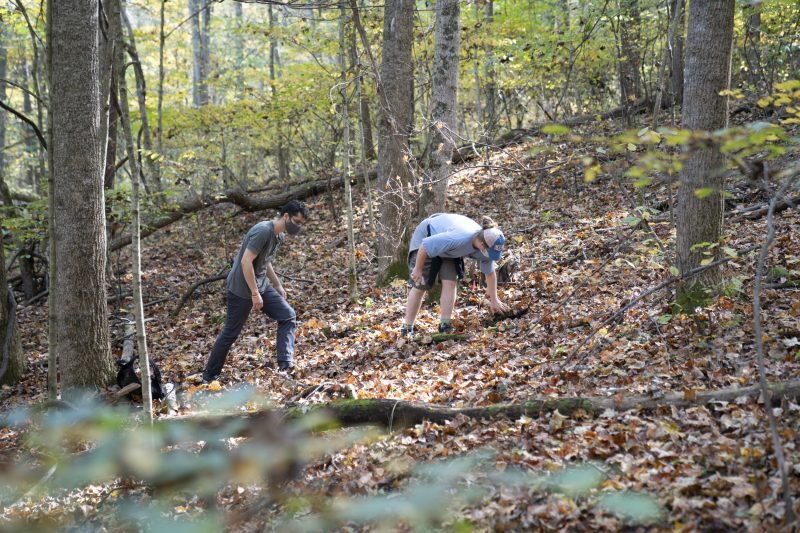 SOC111320_01-800x533 Finding Ways to Give Back
