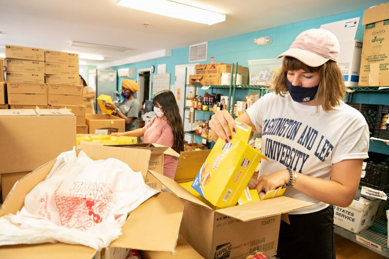 VV2-800x533 Shepherd Cohorts Give First-Year Students a Taste of Service