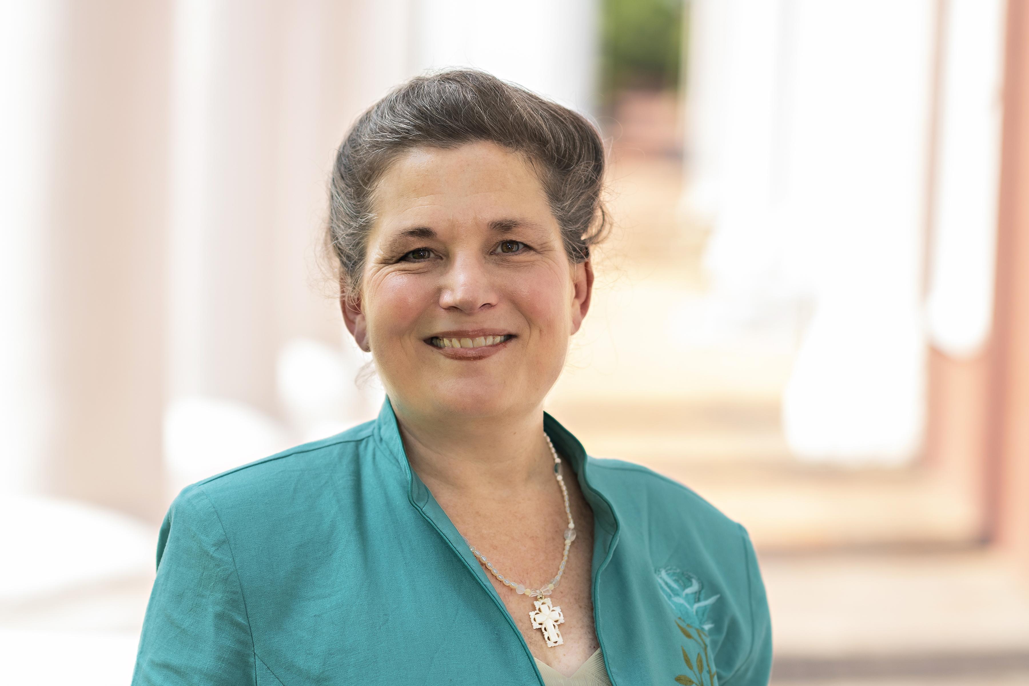 Uzzell-Lynn-scaled Meet the Professor: Lynn Uzzell
